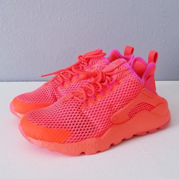 83091edb07a8 Nike Air Huarache Ultra Total Crimson Pink Blast. M 5b00471f36b9de35cae13c91